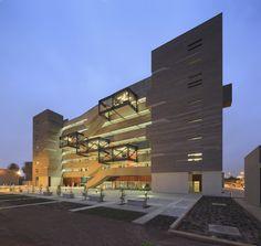 Edificio de Aulas de Ingeniería y Ciencias PUCP,© Juan Solano Ojasi