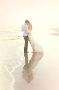Ideen Verlobungsshooting, Meer, verliebtes Paar, romantisch, Verlobungsshooting in der Natur, romantisch, glücklich, Outdoor