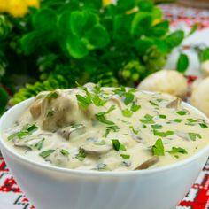Ciulama de pui cu ciuperci – o rețetă clasică din toate timpurile! - savuros.info Cheeseburger Chowder, Potato Salad, Mashed Potatoes, Good Food, Cooking, Ethnic Recipes, Drink, Cooking Food, Recipes