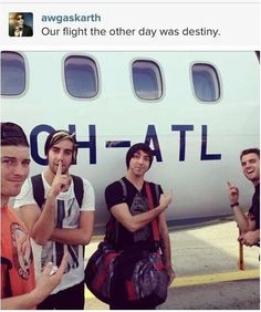 Even planes love all time low! Emo Bands, Music Bands, Music Stuff, My Music, Jack Barakat, Mayday Parade, Bmth, Band Memes, Blink 182