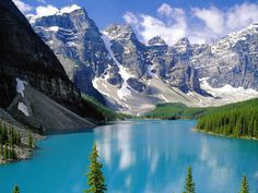 Personally, I'd choose Banff National Park over Jasper - Moraine Lake, Alberta, Canada Lago Moraine, Alberta Canada, Banff Canada, Banff Alberta, Jasper Alberta, Lac Louise, Parc National De Banff, Places To Travel, Places To See