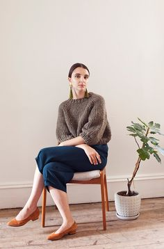 CAD $ / ships worldwideA new chunky version of the quintessential  hand knit raglan Kingston seamless sweater, with a fringe option. This sweater features a cropped length and bell sleeves, wit...