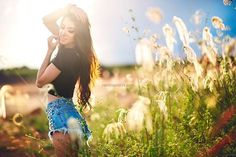 Nature photoshoot ideas pictures 19 ideas for 2019 Outdoor Portrait Photography, Fashion Photography Poses, Outdoor Portraits, Photography Women, Outdoor Photoshoot Ideas, Inspiring Photography, Photography Tutorials, Beauty Photography, Creative Photography