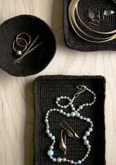 Crocheted Jewelry Dishes from @purl bee