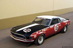 1969 Ford Boss 302 Trans Am par Parnelli Jones Ford Mustang Bullitt, Mustang Boss 302, Mustang Cobra, Sports Car Racing, Race Cars, Road Racing, Parnelli Jones, Old Hot Rods, Vintage Racing