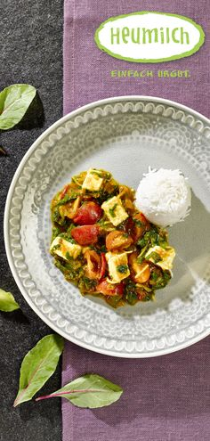 Mangoldcurry mit Heumilch-Paneer  Paneer ist ein Frischkäse, der oft in indischen Curries vorkommt. Man kann ihn ganz leicht selbst aus Heumilch und Essig herstellen.  (Heumilch, Rezept, Essen, Kochen, Rezeptideen, Mangold, Paneer, Herbst, Herbstrezept, Reis, indisch, Curry, Lecker) Brunch, Cobb Salad, Asian, Food, Eat Lunch, Food Dinners, Hay, Milk, Essen