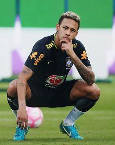 Immagine di brazil football and JR Neymar Jr, Neymar Team, Soccer Players, Football Soccer, Neymar Wallpaper, Football Photos, Victoria Justice, Psg, Cristiano Ronaldo