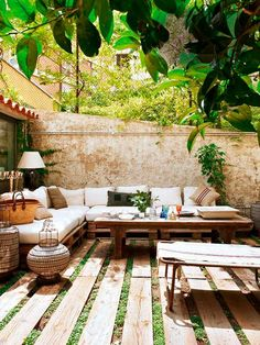 33 Gorgeous Bohemian Outdoor Patio Designs For Cozy Outdoor Space Idea - Outdoor Patio Designs, Small Backyard Landscaping, Outdoor Spaces, Outdoor Living, Outdoor Decor, Landscaping Ideas, Hillside Landscaping, Small Patio, Small Yards