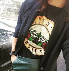 Rock your day! &⚘...what else? #40andfit #working #workinggirl #gunsandroses #t-shirt #memyselfandi #instastyle #justbeyou #bestversionofme #thisisme #whatelse
