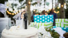 How to (tactfully) ask for money as a wedding gift