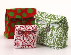 holiday fabric lunch sack/gift bags @allpeoplequilt.com