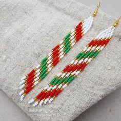 Beaded Earrings Native, Beaded Earrings Patterns, Native Beadwork, Seed Bead Earrings, Cute Earrings, Etsy Earrings, Seed Beads, Fringe Earrings, Flower Earrings