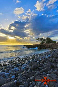 Sunset photography - Hawaii Sunset photographed at Manners Beach, (Black Rocks beach), Waianae Coast, Oahu, Hawaii