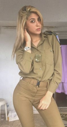 Idf Women, Military Women, Military Girl, Military Jacket, Israeli Girls, Female Soldier, Girls Uniforms, Gorgeous Women, Instagram
