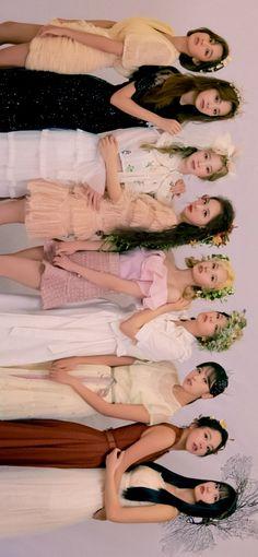 Kpop Girl Groups, Korean Girl Groups, Kpop Girls, Nayeon, Twice Group, Blackpink Twice, Black Pink Dance Practice, Twice Korean, Twice Album