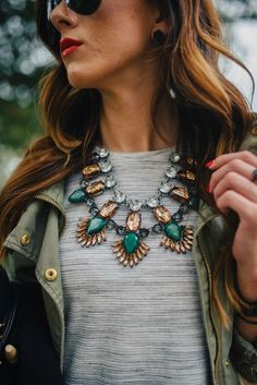 8 Comfy Fashion Trends Every Lazy Girl Can Totally Love Statement necklace, statement jewelry. Hippie Style, My Style, Look Fashion, Womens Fashion, Fashion Trends, Maxi Collar, Fashion Accessories, Fashion Jewelry, Stylish Jewelry