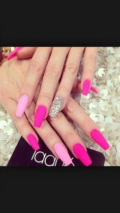 love pink nails