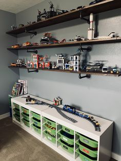 Lego Organization Ideas that detail everything from, how to sort, to how to store the manuals, to how to display them. Also includes link to a 30 lego challenge to keep your kids busy. Lego Display Shelf, Lego Shelves, Kids Room Shelves, Lego Storage, Diy Storage, Storage Ideas, Big Boy Bedrooms, Boys Lego Bedroom, Ideas Habitaciones