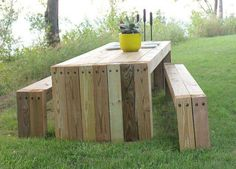 GARDEN TABLE -could re-purpose a pallet