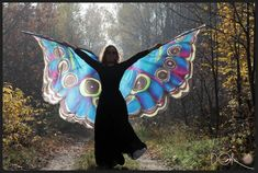 Hand painted silk isis wings, made of 100% silk.  The wings are HANDPAINTED - not printed, not dyed.  Unique handmade wings, made to order.  The pattern wings like the pictures. The price is higher than the other listings, since this pattern is very laborious.  I will paint and saw the wings exactly for you.  High quality and large size for women. Wings made of 100 % silk habotai 8m/m, fabric ideal for dancing. The lenght of one wing about 55-60 (145 -150 cm). Both wings span is about 12...