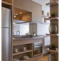 """""""Porque a cozinha também pode ser super elegante...  Linhas retas e cores neutras, clean e chic! {by Debora Aguiar} #cozinha #kitchen #coresneutras"""""""