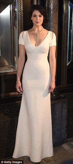 Gemma Arterton: The star's dress deftly proved that less is more - whether visible from be. Gemma Arterton, Gemma Christina Arterton, Prettiest Actresses, Beautiful Actresses, Hollywood Glamour, Hollywood Actresses, Floor Length Gown, Aquarius, Brunette Beauty