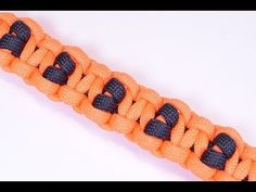 ▶ How to Make a Survival Paracord Bracelet - Deer Tracks - BoredParacord - YouTube