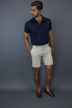 SB — teachingmensfashion: Summer essential The. Stylish Men, Men Casual, Mens Fashion Summer Outfits, Mens Fashion Shorts, Men Shorts, Teaching Mens Fashion, Herren Style, Elegantes Outfit, Herren Outfit