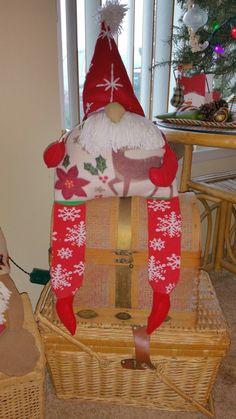 Christmas Gnome, Christmas Stockings, Gnomes, Arts And Crafts, Holiday Decor, Nutrition, Health, Home Decor, Health Care