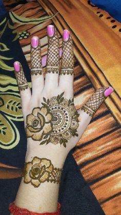 Latest Arabic Mehndi Designs, Henna Tattoo Designs Simple, Back Hand Mehndi Designs, Latest Bridal Mehndi Designs, Full Hand Mehndi Designs, Mehndi Designs For Girls, Mehndi Designs For Beginners, Wedding Mehndi Designs, Mehndi Designs For Fingers