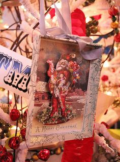 Common Ground: Vintage Inspiration #113 Christmas Inspiration from the Vintage Suitcase