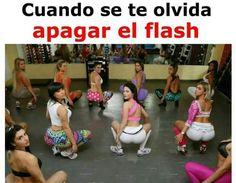 Cuando se te olvida apagar el flash. Frikinianos,Web de humor, lol, frikis, memes,chistes ,imagenes graciosas,gifs divertidos y mas frikadas