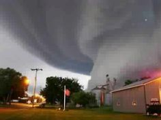 Hattiesburg,  MS 2013 - amazing photo, but would have been a little too close for comfort for me.