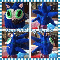 Crochet Sonic the Hedgehog hat