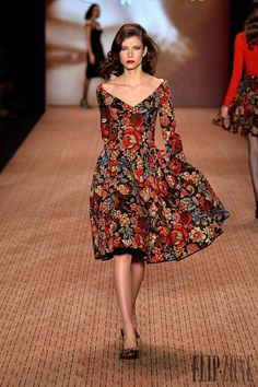Lena Hoschek at Fashion Week - Women Formal Evening Gowns Floral Long Sleeves Midi Dress for an autumn fall winter outfit inspiration Source by Pangaea_Fall_Fashion dresses summer Fashion Week, Look Fashion, High Fashion, Autumn Fashion, Womens Fashion, Fashion Design, Feminine Fashion, Floral Fashion, Fashion Trends