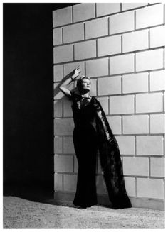 Lisa Fonssagrives in evening gown by Mainbocher, photo by Horst, Paris, Vogue, June 15, 1938