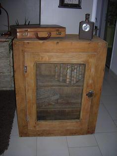 meuble pour pompe a bi re en ch ne instructions de bosch meubles cr ation transformation. Black Bedroom Furniture Sets. Home Design Ideas