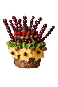 Taze meyveler ve enfes çikolata... #meyvesepeti #cikolata #meyvebuketi #hediye