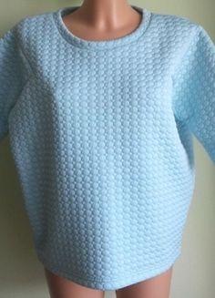 Kup mój przedmiot na #vintedpl http://www.vinted.pl/damska-odziez/bluzki-z-3-slash-4-rekawami/14737629-bluzka-pudelkowa-wytlaczana-blekitna-baby-blue-reserved-36-38-oversize