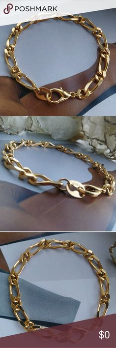 🔷Bueatiful Gold Bracelet🔷 Korea stamped..High quality plated gold looks more like 18kt due to rich color maybe even 24kt but this one is only plated not solid..In new condition..NWOT..never wore..Available Soon..Hit like to receive updates and special offers on this item🔹 Korea Jewelry Bracelets