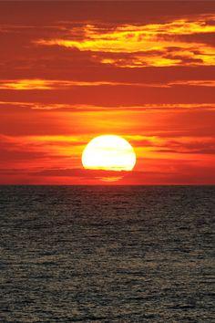Bermuda Sunset by Wils 888 on Flickr.