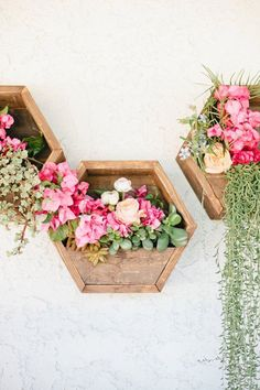 DIY Outdoor: Making Porch Plants For Summer - Creative Diy Poject Ideas Rustic Planters, Outdoor Planters, Outdoor Decor, Flower Planters, Hanging Planters, Succulent Planters, Concrete Planters, Succulents Garden, Hanging Succulents
