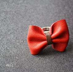 Leather bow ring!