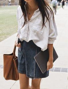 Ce printemps, on n'hésite pas à choisir nos chemises en mode XXL et à les faire blouser dans nos jupes - Tendances de Mode