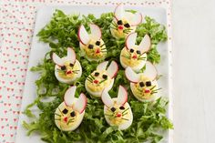 Easy and creative Easter appetizers! Festive Easter fun for kids & grown-ups! If you're looking for the best Easter i Easter Dinner, Easter Brunch, Easter Party, Easter Food, Easter Recipes, Egg Recipes, Easter Ideas, Easter Appetizers, Appetizer Recipes