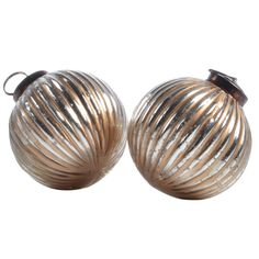 Ribbed Ball Decoration Gold/Silver