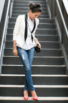 Discover 35 Stylish Outfit Ideas With Blazers. Be a fashionista, Have a look at some amazing outfits with blazers. Over 40 Outfits, Blazer Outfits For Women, Casual Outfits, Casual Jeans, Casual Chic, Casual Shirts, Summer Outfits, All Jeans, Jeans Denim