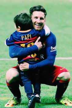 Lionel Messi Official Page FC Barcelona Lionel Messi, Messi And Neymar, Messi Soccer, Soccer Memes, Messi 10, Messi Fans, Soccer Quotes, Soccer Tips, Nike Soccer