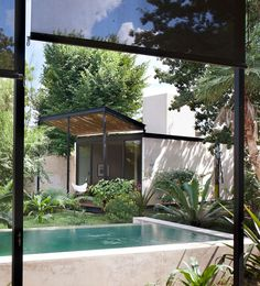 Itzimná House / Reyes Rios + Larraín Arquitectos