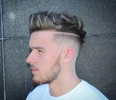 quiff haircut fade with surgical part Mens Hairstyles 2018, Popular Mens Hairstyles, Cool Mens Haircuts, Stylish Haircuts, Cool Hairstyles For Men, Hairstyles Haircuts, Man Haircut 2017, Quiff Haircut, Messy Haircut